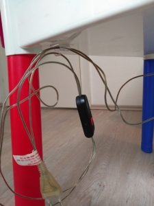 Mes da Luz - Sujección del cable