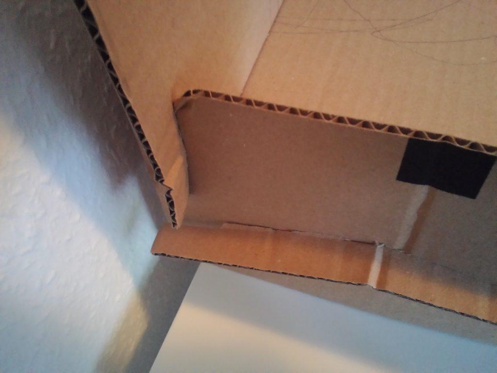 cama de cartón para muñecas detalle de las juntas