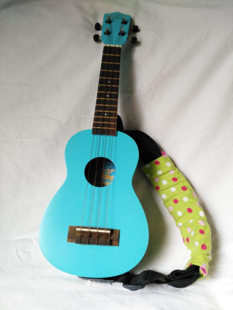"Fase musical: Una guitarra ""de verdad"" (Ukelele)"