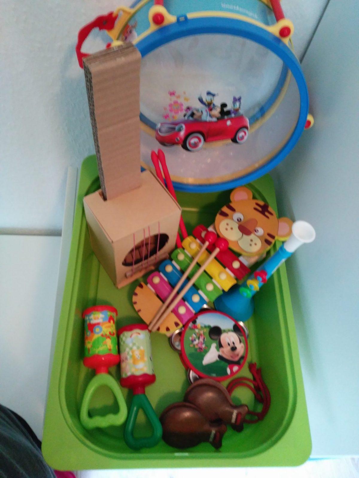Nuestros Instrumentos musicales de juguete - En plena Fase musical