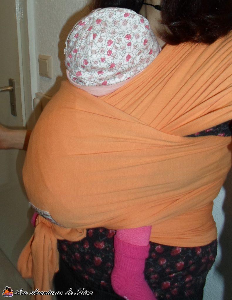 Portear para fortalecer el cuelo del bebé