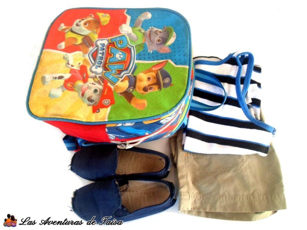 Mochila y Ropa de los niños para la guardería