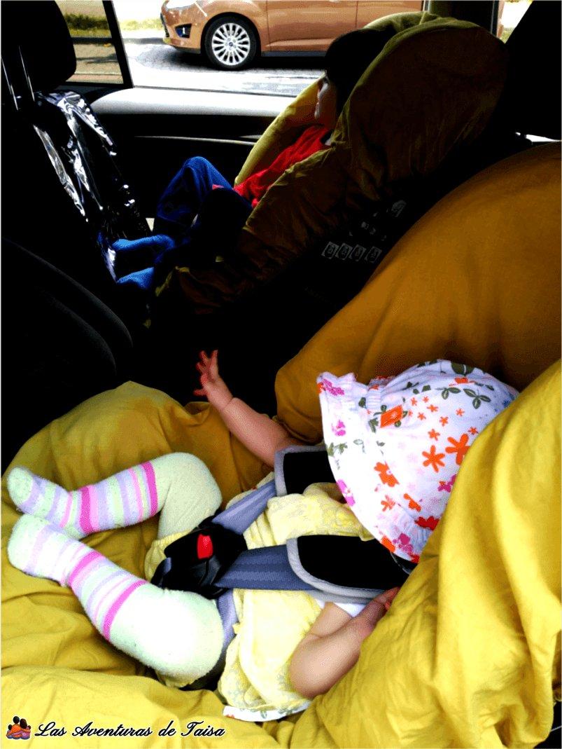 Viajar con bebés y niños - sillitas a contramarcha acm compradas en Alemania