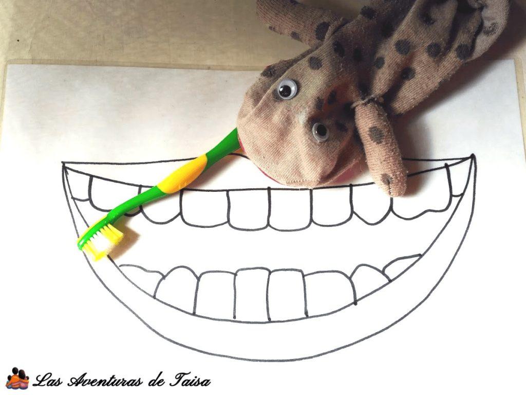 Marioneta casera lavadientes - métodos para cepillar los Dientes a los Niños