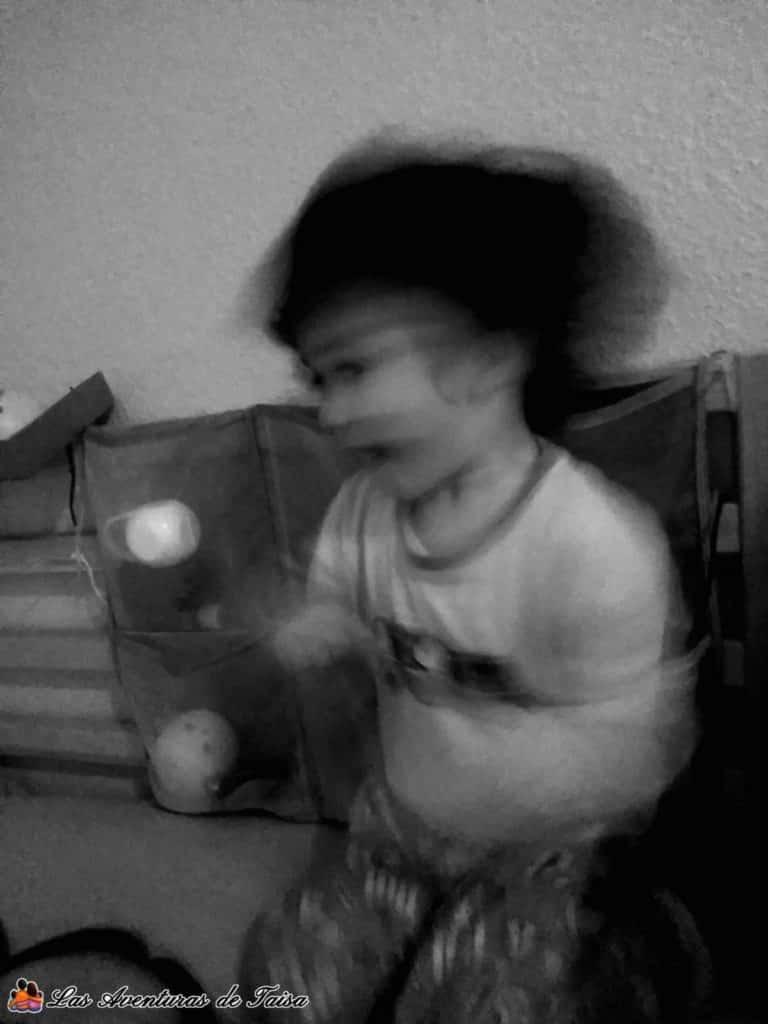 Niño haciendo el melón - haciendo el loco - super habilidades de papa