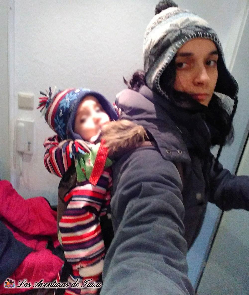 Como abrigar un bebé para portear con mucho frío