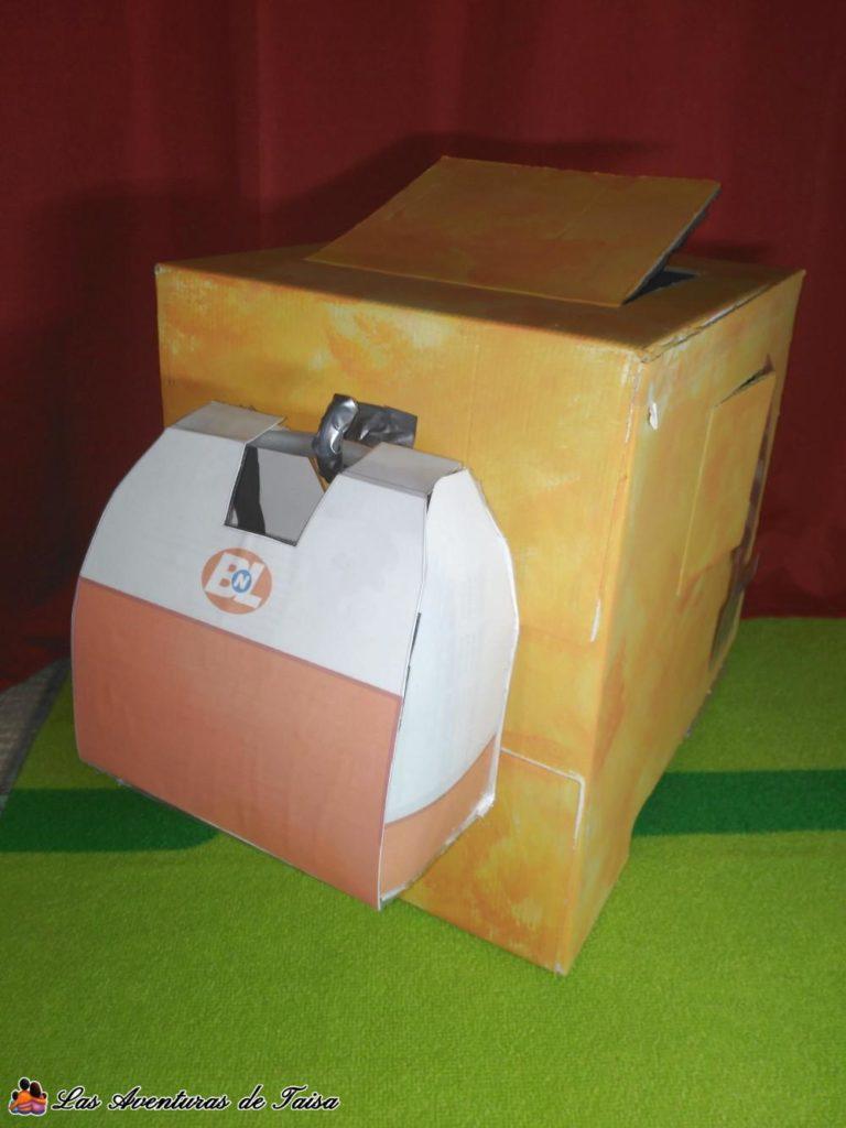 Disfraz de Wall-E con maleta lonchera