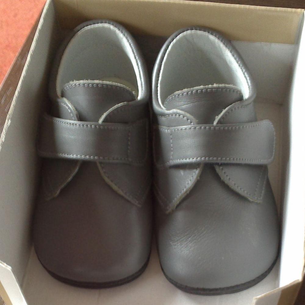 Los Primeros Zapatos para un bebé