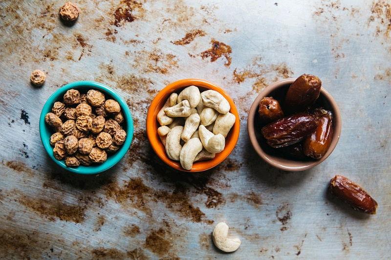 Los frutos secos no engordan y son un picoteo saludable para embarazo y lactancia