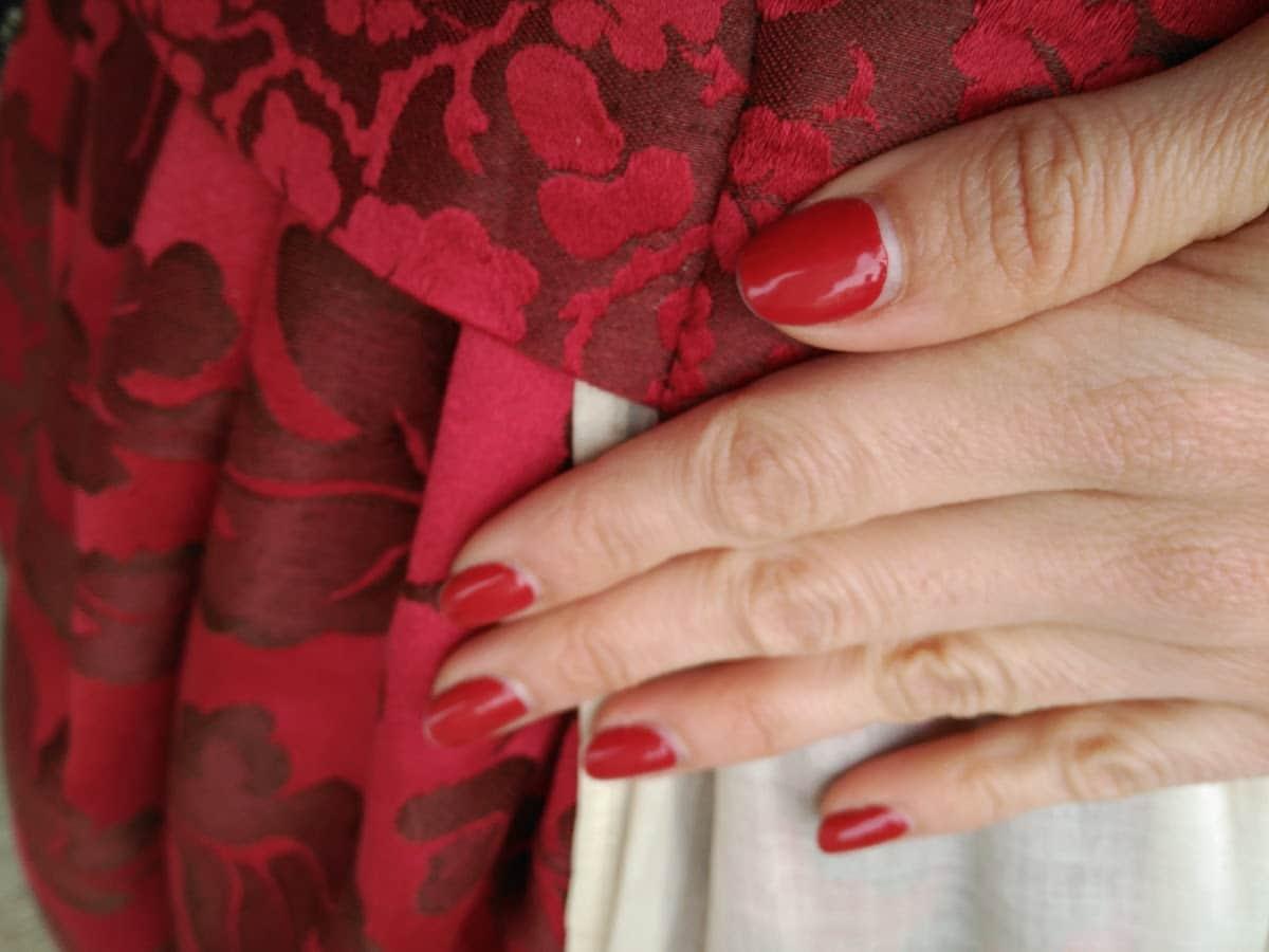 Mi manicura con láminas a juego con el vestido quedo genial