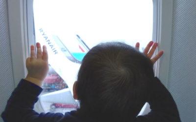 Viajar en Avión con un bebé: 23 dudas resueltas