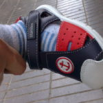 Cómo deben ser los primeros zapatos para un bebé