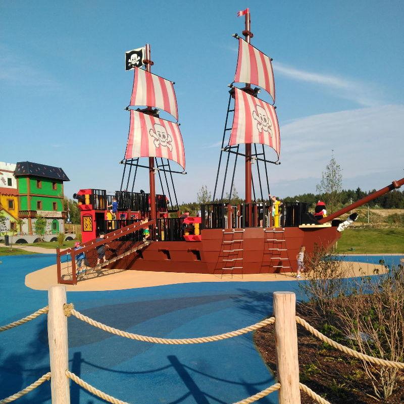 Parque Barco del hotel de Piratas de Legoland Alemania - Hotel Pirata en Legoland Alemania