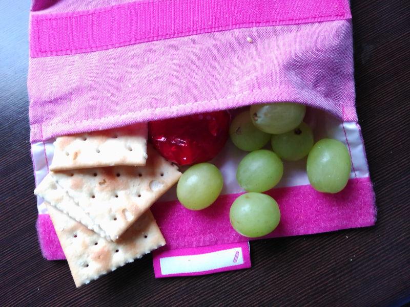 Idea de desayunos sanos para niños - Crackers, queso y uvas