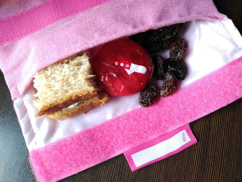 Idea de desayunos sanos para niños - Pan con queso, quesito y pasas