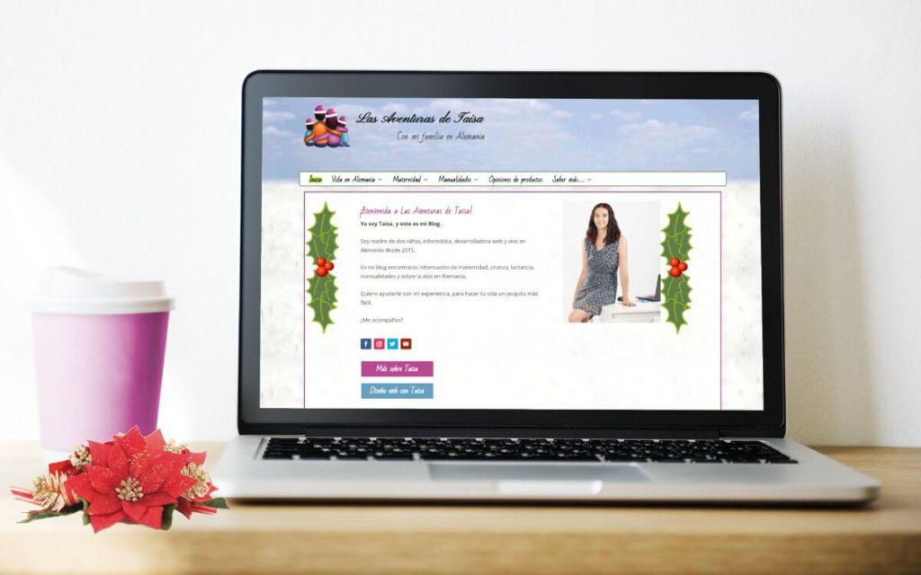 Las Aventuras de Taisa - Navidad 208 - Propósitos y objetivos para 2019 - En la imagen: Un portatil con la imagen del blog en pantalla, con el aspecto navideño.