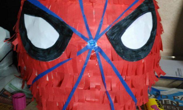 Cómo hacer una piñata de Spiderman [DIY]