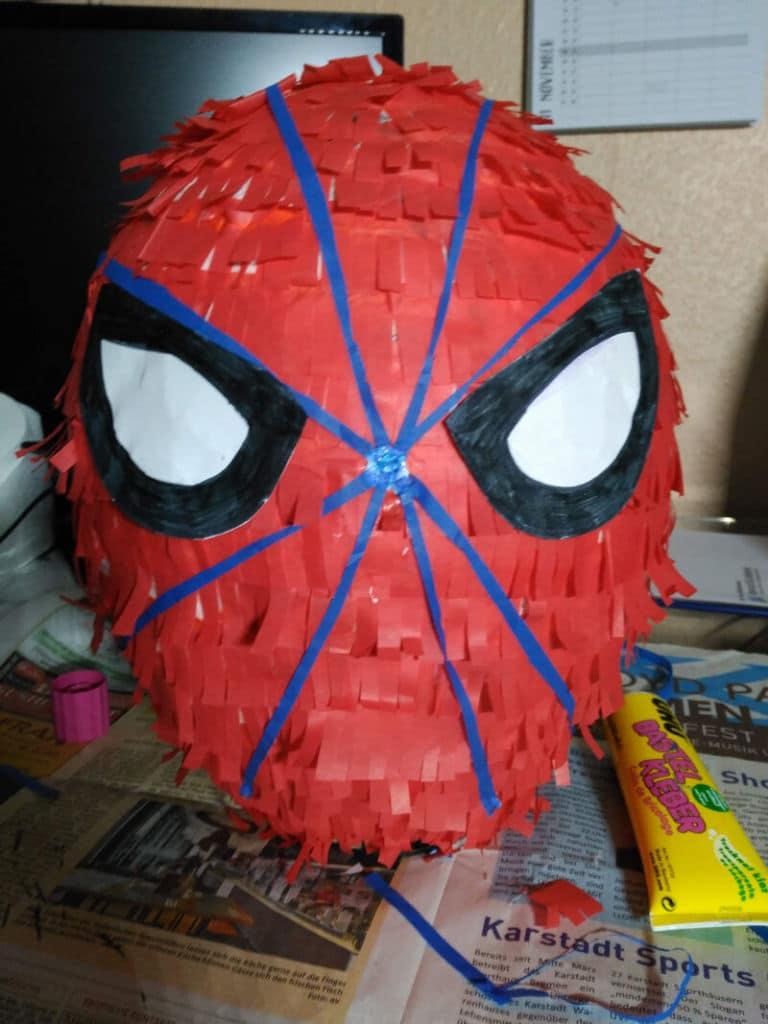 Cómo Hacer Una Piñata De Spiderman Diy Las Aventuras De Taisa