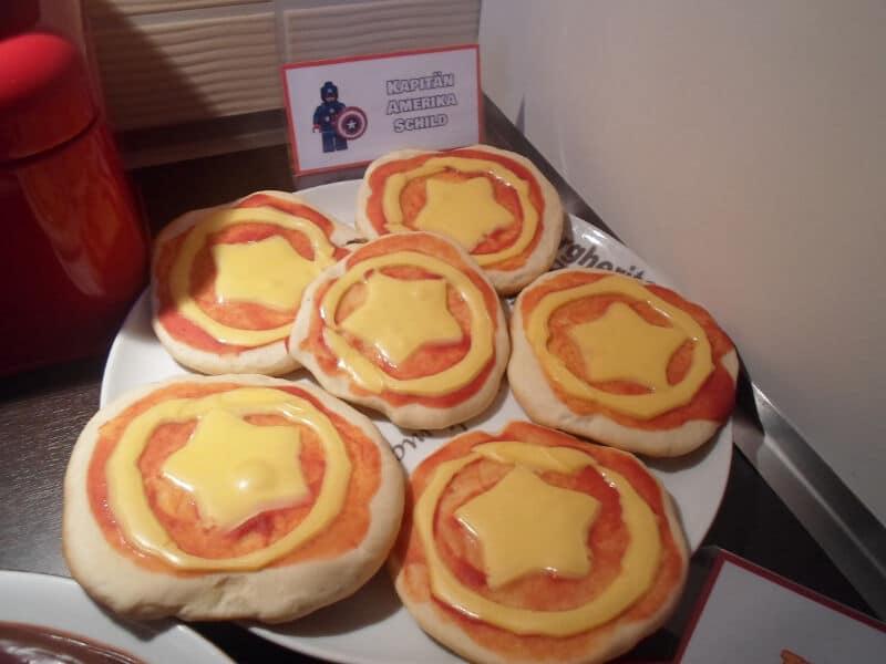 Cumpleaños de superheroes - Comida - Pizzas Capitán América