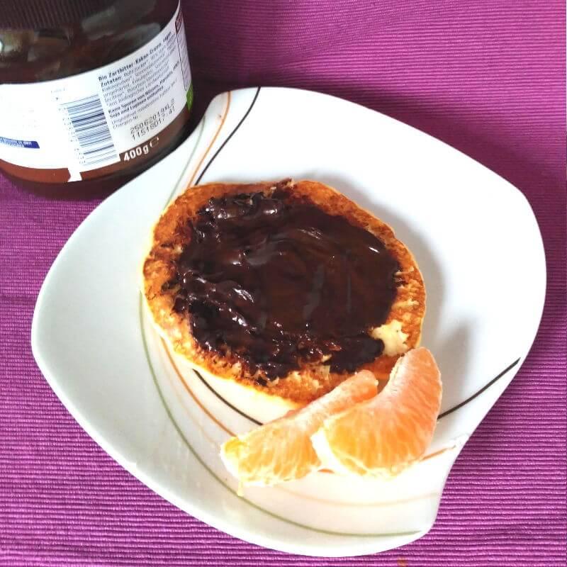 Desayunos saludables - Tortitas con chocolate negro y mandarina