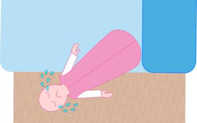 ¿Tu bebé se cae de la cama? 4 trucos para evitarlo