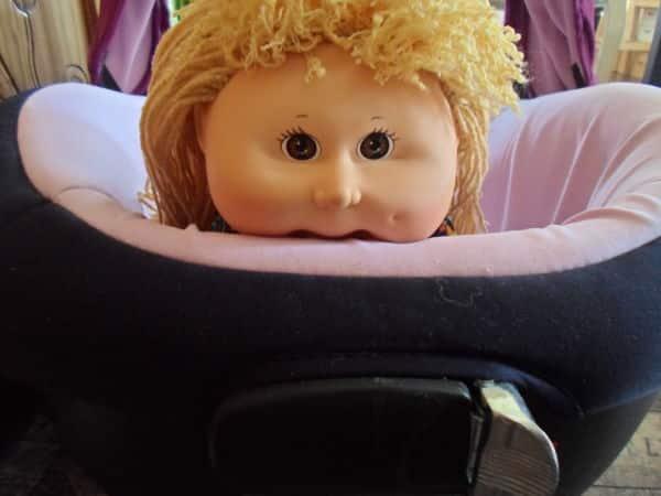 Fortalecer el cuello del bebé boca abajo en el carro